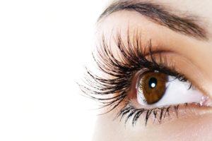 Keratinsko vihanje trepalnic - Eyelash lifting